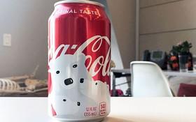Ai cũng uống Coca nhưng hiếm người biết bí mật đằng sau thiết kế lon mới cho mùa đông năm nay