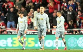 Thua đau phút bù giờ, Man Utd bị đá văng khỏi Cúp Liên đoàn
