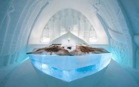 Ghé thăm khách sạn băng giá đẹp như cung điện mùa đông ở xứ Bắc Âu