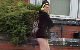 """Đang yên đang lành, người phụ nữ bỗng dưng bị bắt vì """"không mặc đồ ra đường"""""""