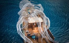 Mất 2 năm trời dựng mô hình thủy quái Kraken trên chiếc tàu cũ để rồi đánh chìm, kết quả sau đó ai cũng vô cùng ngưỡng mộ