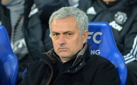 Nếu sa thải Mourinho, Man Utd sẽ quay về thời kỳ đồ đá