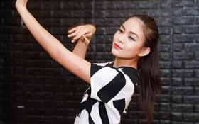 Clip: Mâu Thủy tiếp tục khoe bài thi tài năng đầy kỹ thuật cho Chung kết Hoa hậu Hoàn vũ VN
