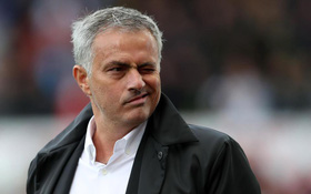 Man Utd suýt chút nữa để mất Mourinho như thế nào?