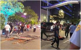 Sập giàn giáo thi công đèn trang trí ở phố đi bộ Nguyễn Huệ, nam công nhân rơi từ tầng 3 trúng ô tô đậu bên đường bị thương nặng