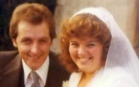 Kết hôn 20 năm rồi đường ai nấy đi, cặp vợ chồng lại quyết định tái hôn chỉ vì một lý do bất ngờ
