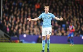 Thoát thua phút cuối, Man City đã đứt mạch toàn thắng