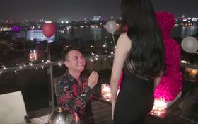 Clip: Toàn cảnh màn cầu hôn lãng mạn như ngôn tình của Khắc Việt với bạn gái DJ xinh đẹp