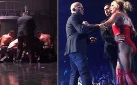 Britney Spears hốt hoảng khi bị một kẻ xông lên quấy rối sân khấu biểu diễn