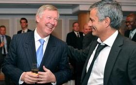 Mourinho đã nói gì với Sir Alex sau khi vô địch Europa League?