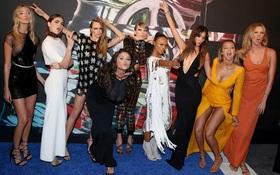 """Các ngôi sao chẳng ưa nổi hội """"chị em bạn dì"""" nổi tiếng của Taylor Swift"""