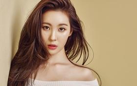 """Netizen cho rằng """"mỹ nhân chỉ cần lườm là sexy"""" Sunmi đồng tính vì... để móng tay ngắn"""