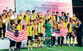 """Chủ nhà Malaysia buộc phải hủy """"trò mèo"""" ở SEA Games 29"""