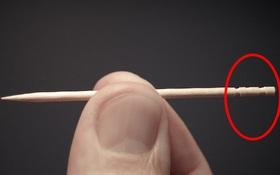 Sau khi dùng tăm xong người Nhật thường có 1 thói quen rất lạ - bẻ đuôi tăm và lý do là vì...