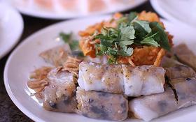 """3 quán bánh cuốn ngon """"nức nở"""" cho ngày mát trời tại Sài Gòn"""