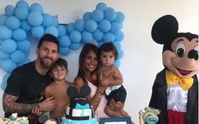 Hai con trai Messi trần trùng trục dễ thương mừng sinh nhật