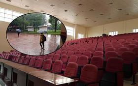 ĐH Nhân văn (TP.HCM): Chuyên gia đội mưa đến buổi chia sẻ, SV chỉ 5 trên tổng 600 người tham gia
