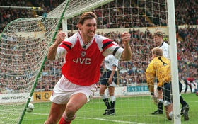 Tony Adams, người thủ lĩnh bất tử của Arsenal