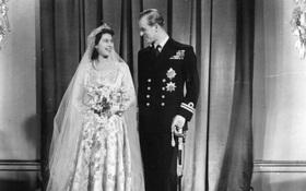 Ít ai ngờ rằng Nữ hoàng Elizabeth II đã phải gom góp tem phiếu để có thể may chiếc váy cưới lộng lẫy của mình