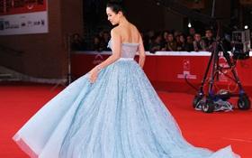Không chỉ có Hoa hậu Aishwarya Rai, hàng loạt mỹ nhân Hollywood cũng đam mê kiểu váy Lọ Lem bồng bềnh!