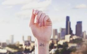 Xăm cổ tay vừa xinh vừa chất sẽ khiến bạn quên luôn sự tồn tại của mấy loại vòng vèo