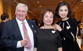 Loạt sao Việt và bố mẹ của Ngô Thanh Vân tới ủng hộ dự án đấu giá từ thiện của con gái
