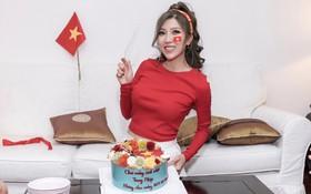 Cuồng nhiệt như Trang Pháp: Tổ chức sinh nhật kết hợp cổ vũ U23 Việt Nam