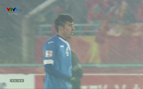 U23 Uzbekistan đổi sang áo xanh trong hiệp 2 trận chung kết với U23 Việt Nam