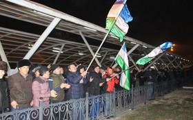 Cuối cùng, cũng xuất hiện hình ảnh dân Uzbekistan đón người hùng trở về: Vui và rộn ràng không kém Việt Nam!