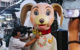 Linh vật chó Phú Quốc sắp được trang trí ở đường hoa Tết Nguyễn Huệ có hình dáng ra sao?