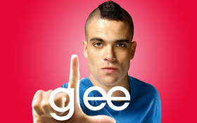 """Trước khi từ giã cuộc đời và vướng scandal tàng trữ sản phẩm khiêu dâm trẻ em, Puck của """"Glee"""" được nhớ đến như nào?"""