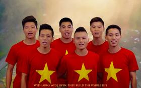 """Không chỉ đá bóng giỏi, các cầu thủ U23 Việt Nam còn trổ tài hát hay, diễn xuất """"cực nuột"""" loạt MV ngày ấy"""