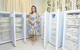 Hot mom Thái Lan đem 15 tủ lạnh chứa đầy sữa của chính mình đi quyên góp từ thiện gây tranh cãi lớn trên MXH