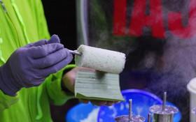 Chiếc bánh 5k đang sốt xình xịch ở khu Bách - Kinh - Xây thật sự có gì?