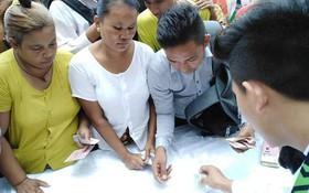 CĐV Myanmar chen chúc xếp hàng dài mua vé xem trận gặp Việt Nam ngày 20/11