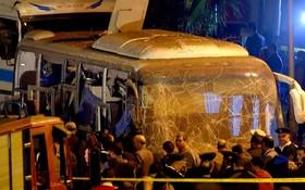 Xe chở du khách Việt Nam bị đánh bom tại Ai Cập khiến 4 người chết, hơn 10 người bị thương