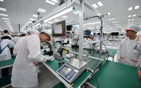 Đến thăm nhà máy sản xuất điện thoại Vsmart của Vingroup: Sang xịn mịn tiêu chuẩn quốc tế thế cơ mà!