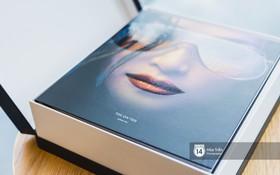"""""""Đập hộp"""" album vol.3 nặng hơn 6kg của Đông Nhi: Loạt vật phẩm tặng kèm khủng, danh sách bài hát gây bất ngờ"""