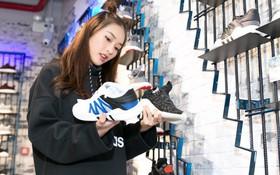 """Theo chân Khả Ngân, Phở Đặc Biệt chọn những mẫu giày """"đỉnh"""" vừa cập bến store adidas"""