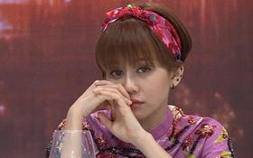 An Nguy mặc áo dài xinh xắn nhưng lại rơi nước mắt trên truyền hình đúng dịp Tết