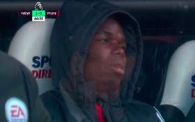 """Khuôn mặt """"mất sổ gạo"""" của Pogba đã lột tả hình ảnh chán chường của M.U"""