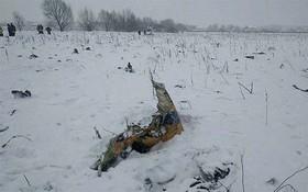 Mảnh vỡ và hình ảnh nạn nhân vụ tai nạn máy bay thảm khốc tại Nga