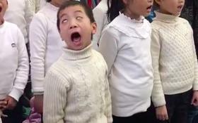 Khi bạn muốn làm diễn viên hài nhưng thầy cô lại bắt bạn đi hát
