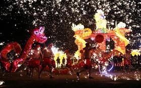 Tết Nguyên Đán trên khắp châu Á: Pháo hoa rực sáng bầu trời nhiều thành phố khắp Trung Quốc