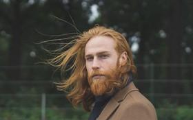 Thợ cắt tóc khuyên anh chàng công sở nuôi râu, kết quả trở thành soái ca đẹp ngoài sức tưởng tượng