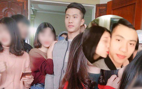 """Phan Văn Đức U23 về quê nhà, hàng trăm cô gái """"bao vây"""" để chụp ảnh và... hôn trộm"""
