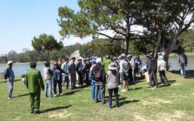 Du khách phát hiện thi thể trên hồ Xuân Hương