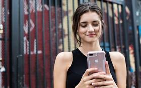 Chỉ có phái đẹp mới tự nhủ 4 điều này mỗi khi mua smartphone mới, phải không nhỉ?