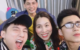 Phải xem ảnh cả gia đình mới thấy, Sơn Tùng và em trai Việt Hoàng không phải tự nhiên mà đẹp trai ngời ngời như thế!