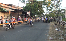 Nam thanh niên tử vong với vết cắt sâu gần lìa cổ cạnh xe máy ở Sài Gòn